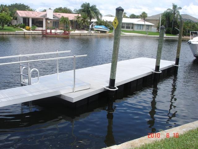 Alluminium boat dock
